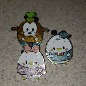Set of 3, Donald, Daisy & Goofy Fufy Disney pins